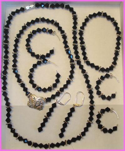 (D) Black Crystal 3 Bead Deluxe Swirl Set-